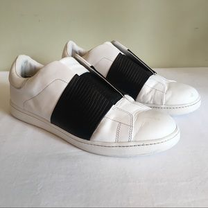 VINCE Vista White Sneakers Black Lizard Look Band